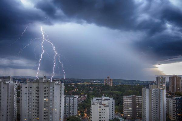 A importância do sistema de proteção contra descargas atmosféricas