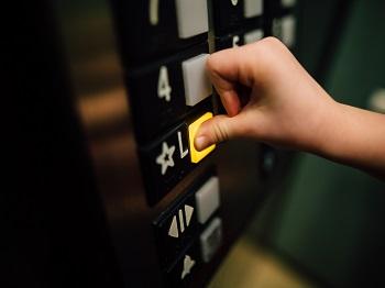 A importância da segurança de um elevador